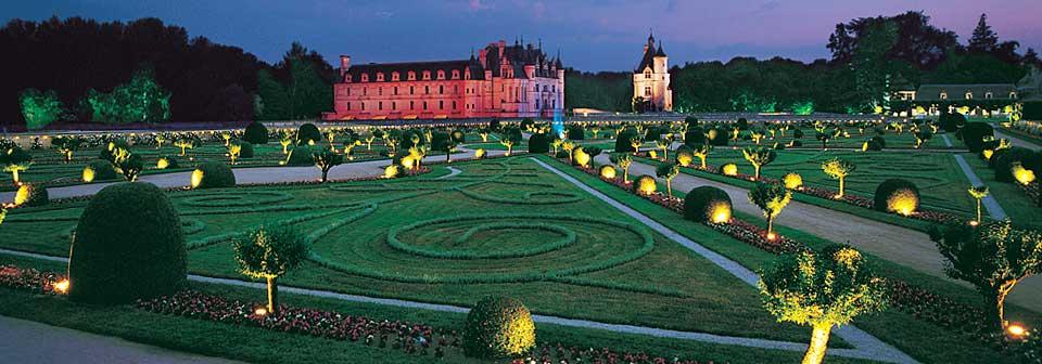 Découvrez les jardins illuminés du Château de Chenonceau